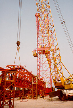 http://www.towercranes.com/Photo-Scans/29/Erection/3-jibs/29-19.jpg